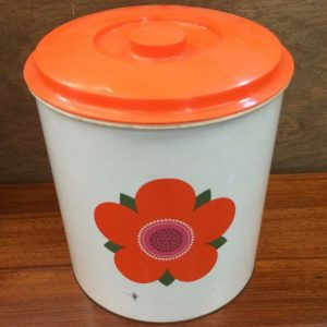 Kitchenalia: Retro & Vintage Kitchen Supplies