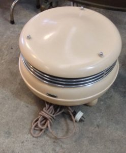 Vintage Art Deco Retro Bakelite Kasyaire Circular Heater On Three Feet Works | Halsey Road Recyclers