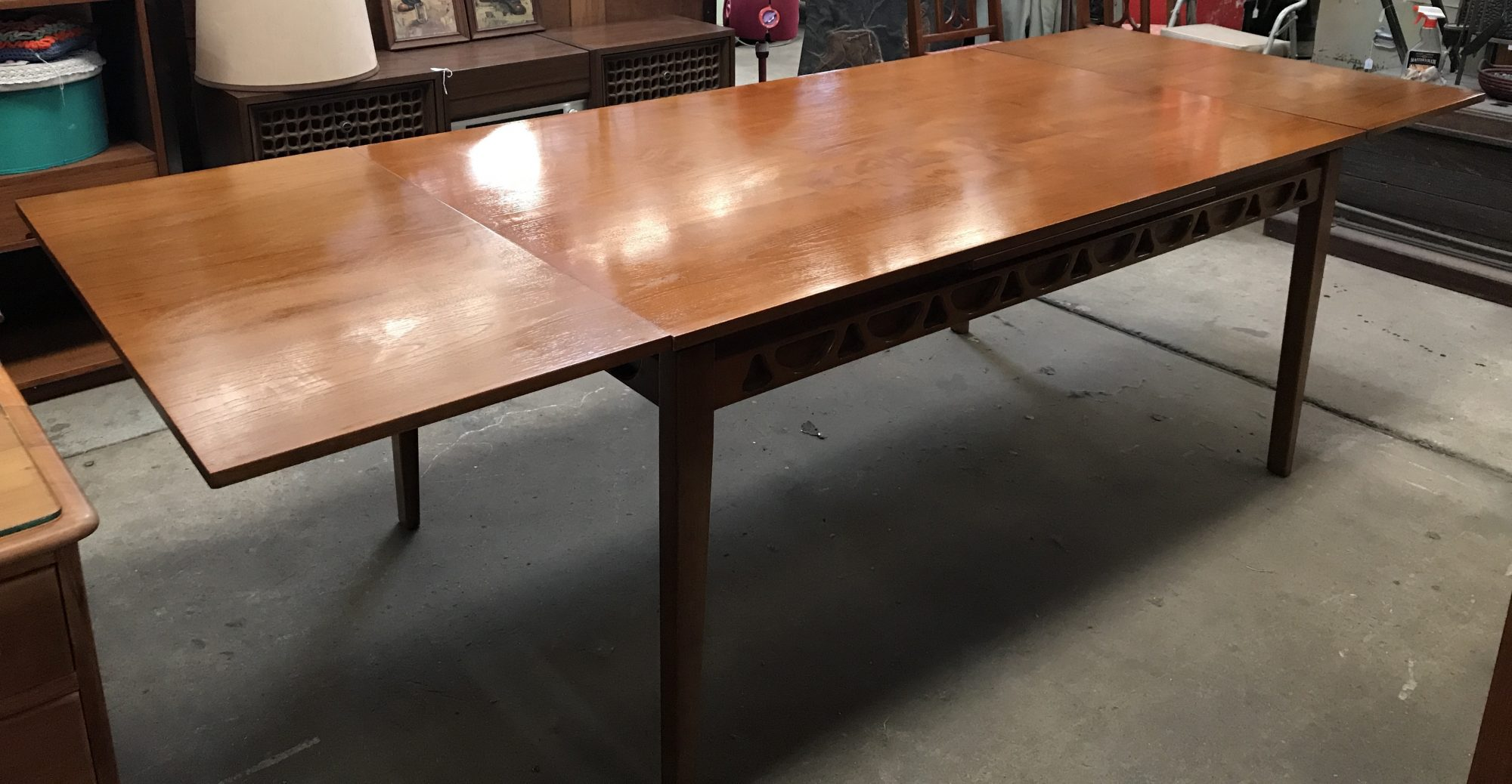 Avalon Retro Vintage Danish Design Teak Extendable Dining Table